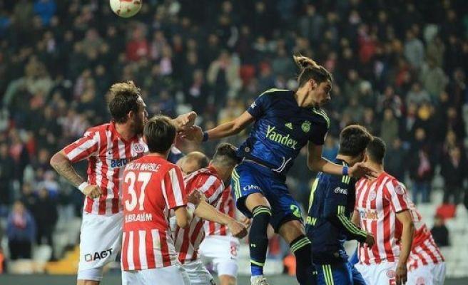 Football: League leaders Fenerbahce target Antalyaspor