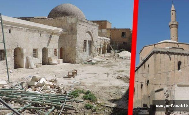 Urfa'da tarihi camide ağır restorasyon