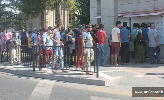 Urfa'da ATM Kuyruğu