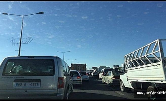 Okulun ilk günü trafiği vurdu