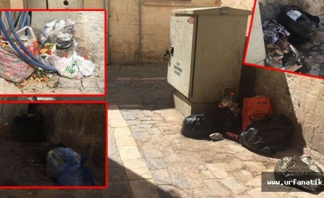 Urfa'da tarihi sokaklar kokudan geçilmiyor
