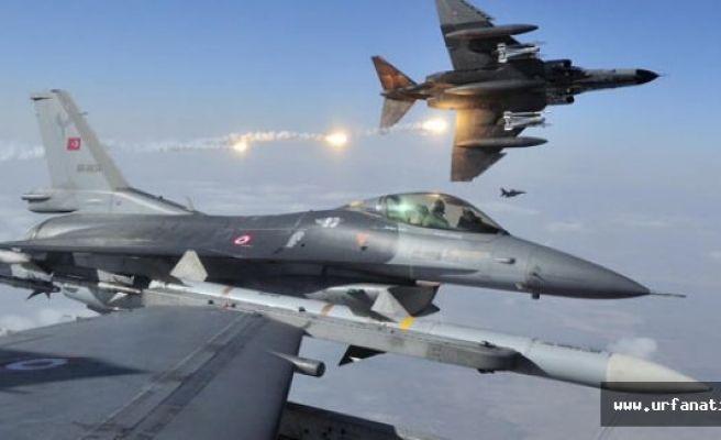 Muş'ta Bomba Yüklü Aracı F-16'lar İmha Etti
