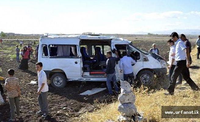 Siverek'te Öğrenci servisi devrildi: 1 ölü, 19 yaralı