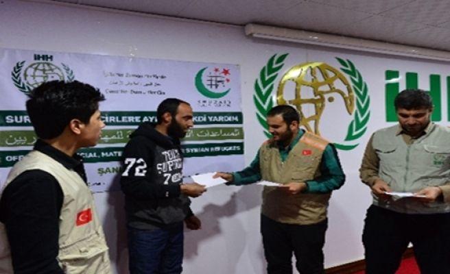 Pakistan'dan Suriyelilere Yardım