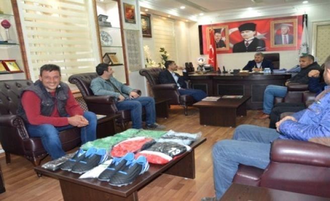 Belediye Başkanı Pınarbaşı'ndan Birecikspor'a Malzeme Desteği