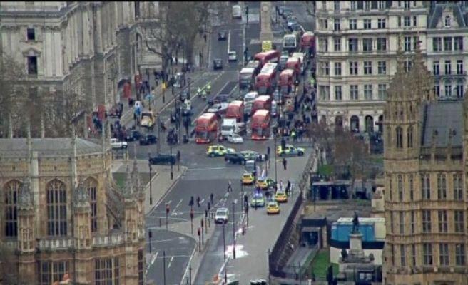 İngiltere Parlamentosu önünde silahlı saldırı! 2 Kişi Öldü Yaralılar var...