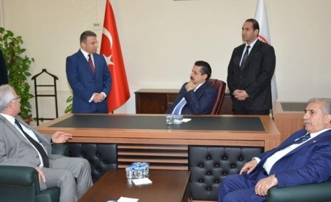 Bakan Çelik'ten Viranşehir belediyesine ziyaret