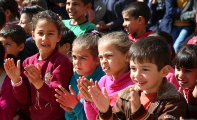 Suriyeli ve Türk Öğrencilerin Uyumu İçin Sirk Gösterisi