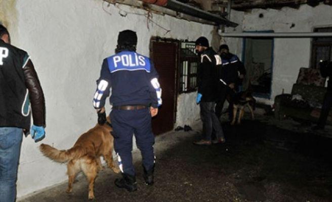 Aranan Zehir Tacirlerine Operasyon, 7 gözaltı