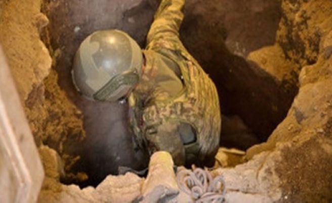 Sınırda Onlarca Tünel Bomba Deposuna Dönüştürmüş