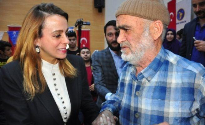 Zeynep Karahan Uslu'ya Sevgi Seli