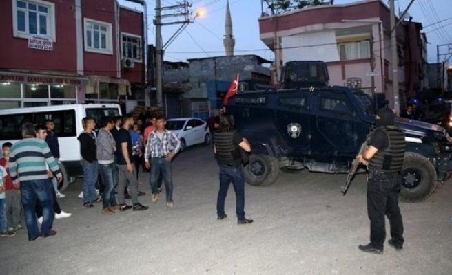 Adana'da Silahlı Kavga: 1 Ölü, 4 Yaralı!