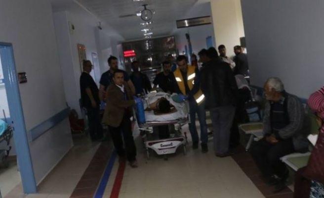 Ticari Aracın Çarptığı Yaşlı Adam Ağır Yaralandı