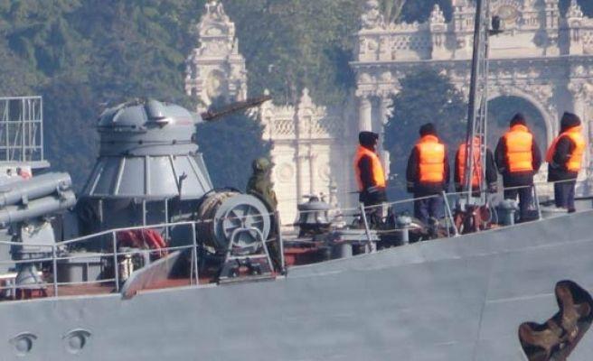 3 Rus Savaş Gemisi Boğazdan Geçti