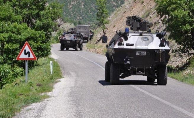 Askerleri  Zırhlı Araç Şarampole Yuvarlandı: 11 Asker Yaralı