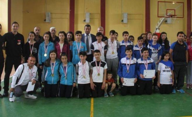 Grup Birinciliği Badminton Müsabakaları Sona Erdi