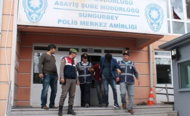 Telefon Dolandırıcıları Yol Kontrolünde Yakalandı