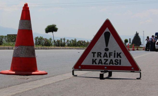 Urfa'da Otomobil Şarampole Devrildi, 2 Ölü