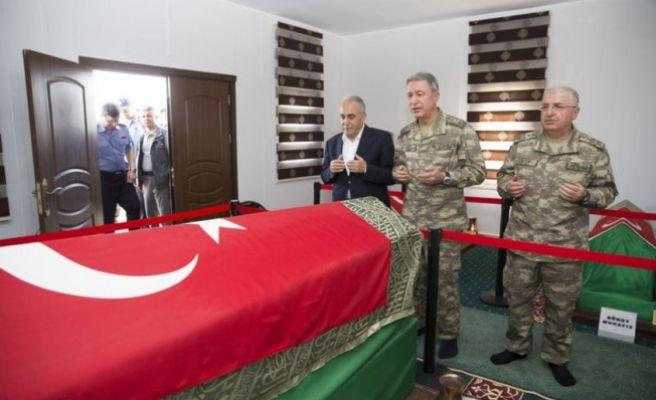Orgeneral Hulusi Akar'dan Süleyman Şah ziyareti