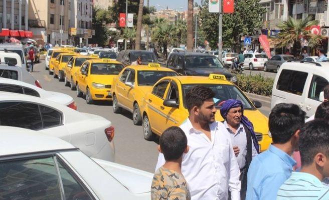 Taksiciler Yolu Trafige Kapattılar