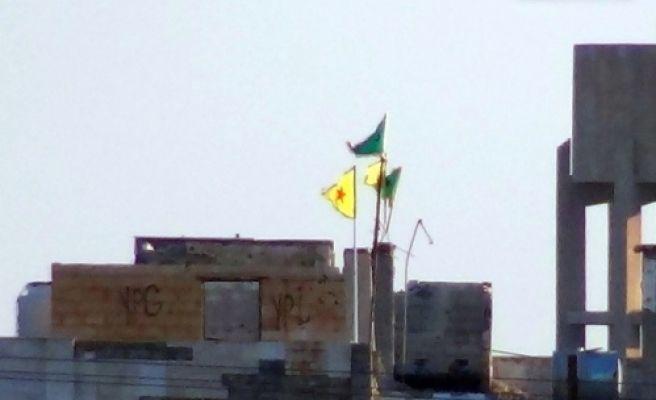 Pyd'den Sınıra Provokatif Flama Asma Girişimi
