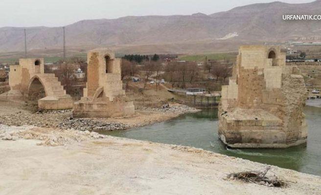 Sular Altında Kalacak Köprünün Ayaklarındaki Figürler Müzeye Taşındı