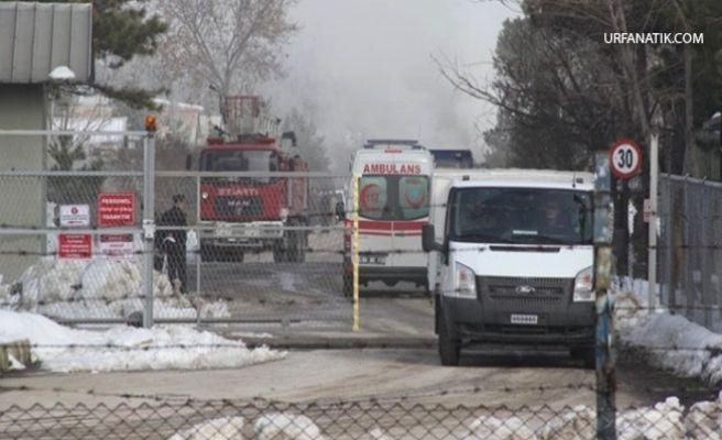 Askeri Kışlada Yangın: 7 Asker Dumandan Zehirlendi