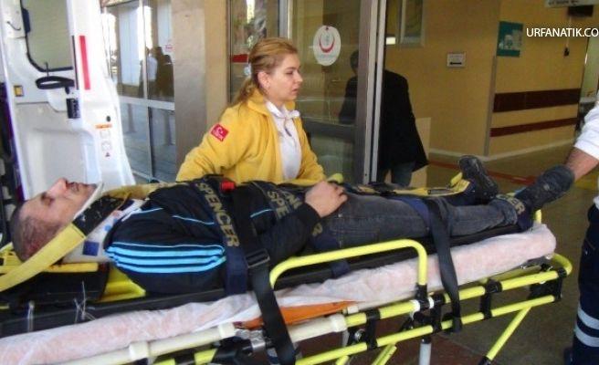 Motosiklet Hafif Ticari Araca Çarptı: 1 Yaralı
