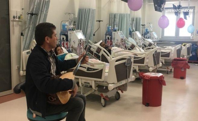Diyaliz Hastalarına Müzik Eşliğinde Tedavi…