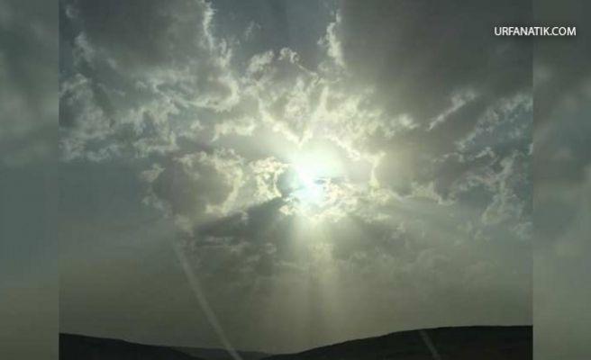 Fırtına Sonrası Gökyüzünde Görülen İnsan Silüeti Şaşkına Çevirdi
