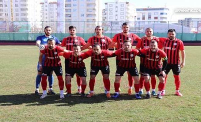 Karbel Karaköprü Belediye Spor Evinde Farklı Yenildi