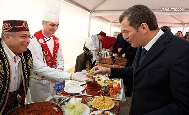 Çiğ Köfte Festivali'nde Vatandaşlara 2 Ton Çiğ Köfte İkram Edildi