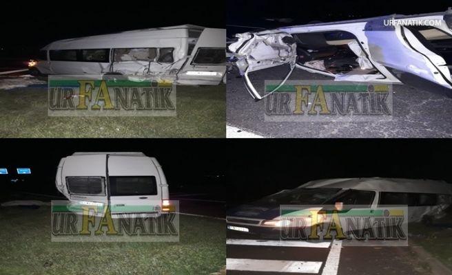 Şanlıurfa'da Yolcu Minibüsü ile Otomobil Çarpıştı 8 Yaralı