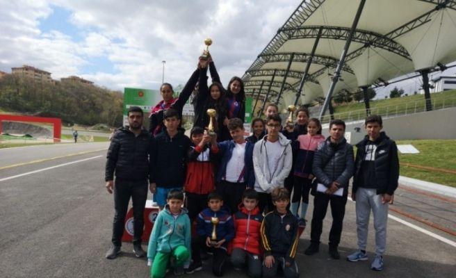 Karabüklü atletler Türkiye Şampiyonası'na katılmaya hak kazandı