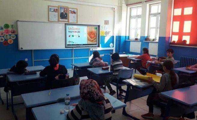 Öğrencilere ve velilerine bağımlılıkla mücadele eğitimi