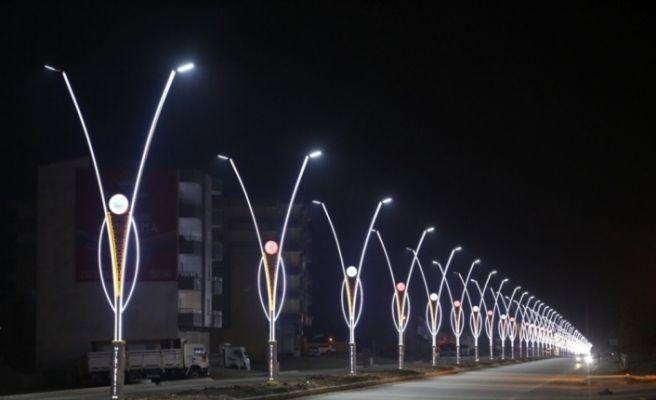 Silopi Belediyesinden modern ışıklandırmalar ve peyzaj çalışmaları