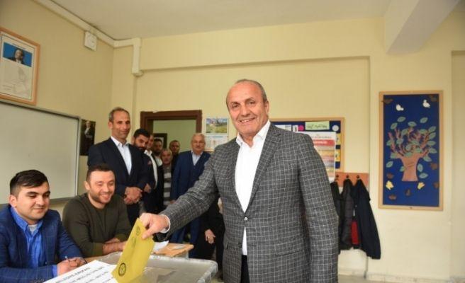 Başkan Arslan, oyunu kullandı