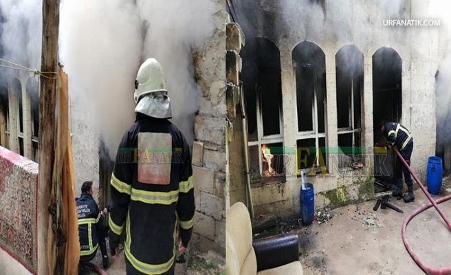 Şanlıurfa'da Evde Çıkan Yangını İtfaiye Söndürdü