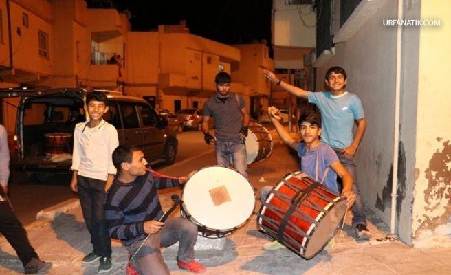 Urfa'da Ramazan Davulcuları İş Başında