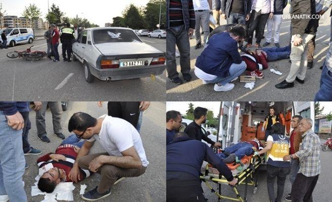 Urfa'da Otomobille Motosiklet Çarpıştı: 1 Yaralı