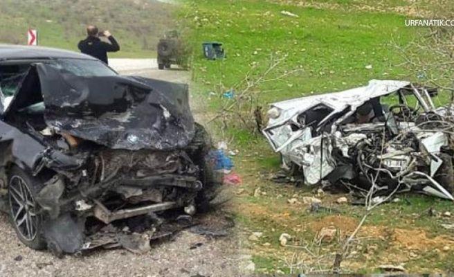 Otomobiller Kafa Kafaya Çarpıştı: 13 Yaralı