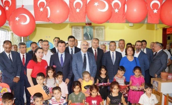 Aydın'da 179 bin öğrenci karne sevinci yaşadı