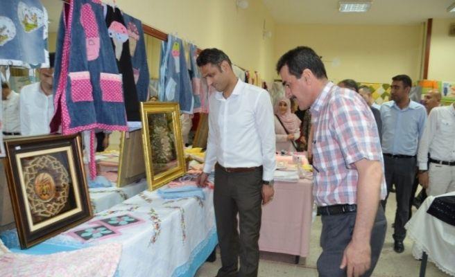 Halk eğitim merkezinde yılsonu sergisi düzenledi
