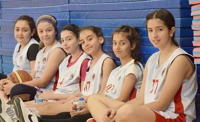 Hasketbol Gençlik ve Spor Külübü 115 sporcu ile 115 resmi maça çıktı