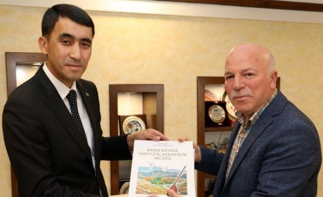 Türkmenistan heyetinden Başkan Sekmen'e ziyaret
