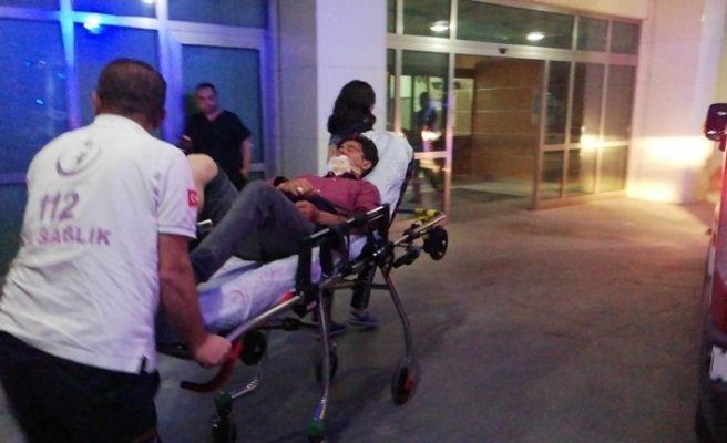 Merdivenden düşen genç yaralandı