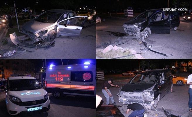 Hafif Ticari Araç İle Otomobil Çarpıştı 4 yaralı