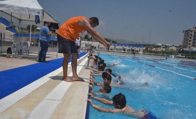 Toroslar'da, 2'nci etap yüzme kursları başladı