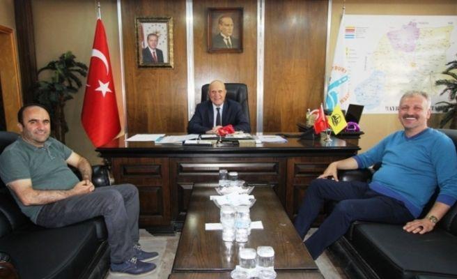 Cumhurbaşkanı Başdanışmanı Saral'dan Başkan Pekmezci'ye ziyaret
