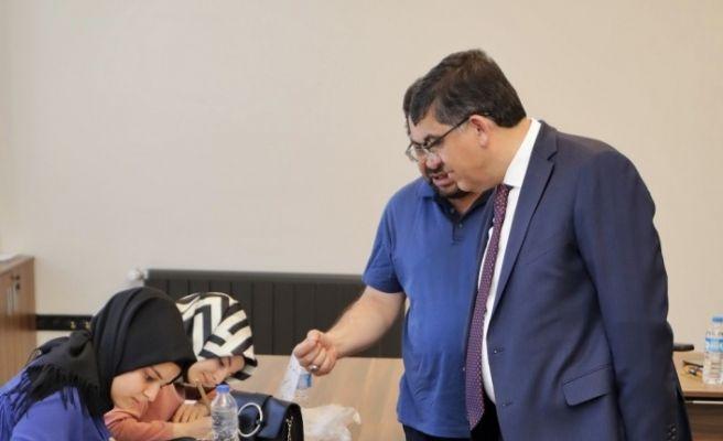 Fadıloğlu, ŞSM'deki kursiyerleri ziyaret etti